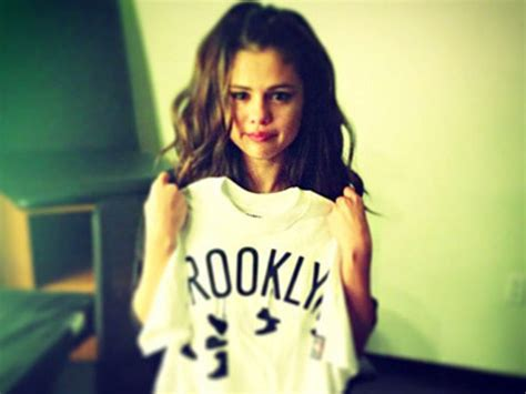 Pictures of Selena - Pictures Of Celebrities