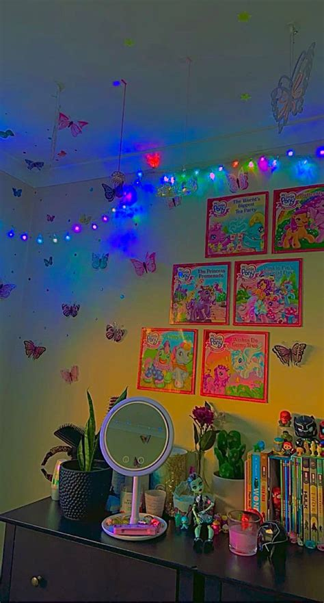 🌈🍃🦖🦕🍄🦄🍂 in 2020 | Indie room, Room inspo, Dreamy room