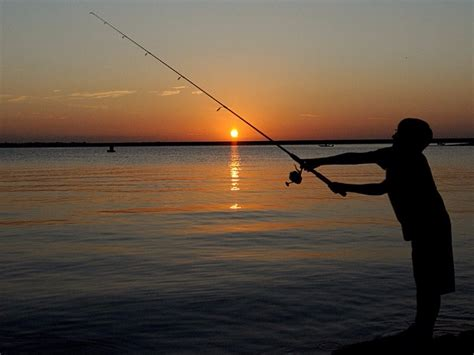 12 Best Places to Go Fishing in Texas - TripsToDiscover