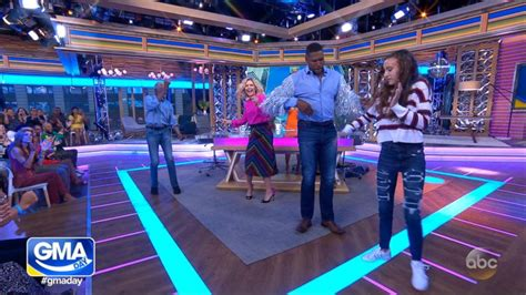 Watch Michael Strahan and Sara Haines bust out their dance
