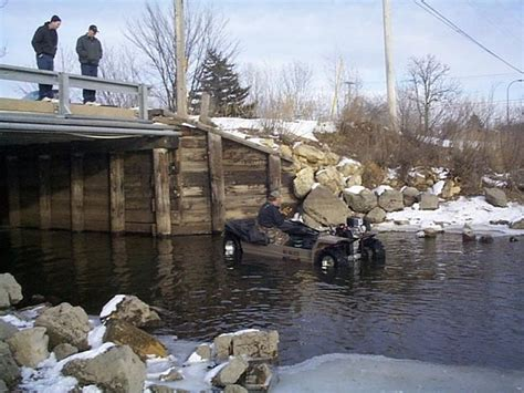 Wilcraft Amphibious Ice Fishing & Hunting Vehicle • Gear