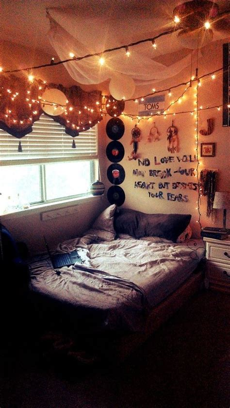23 Restful and Comfy Bedrooms With Grunge style